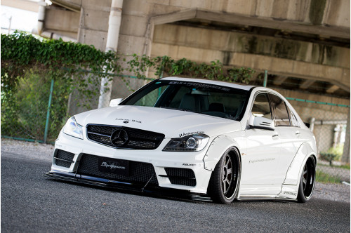 Liberty Walk Bodykit LB Works C C204 i W204