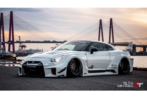 Liberty Walk Bodykit LB Works Silhouette GT-R R35