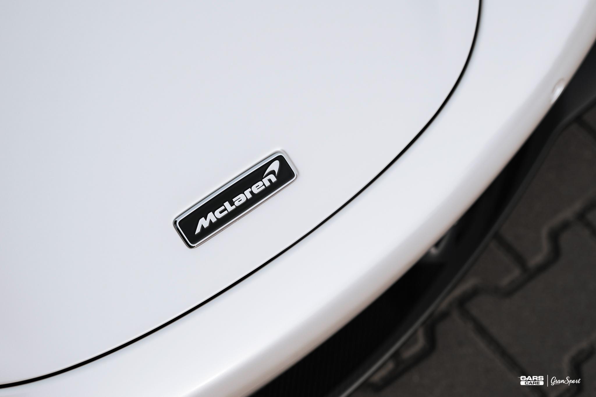McLaren 720S Panda